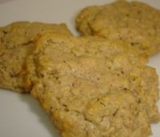 Бисквити с овесени ядки и фъстъчено масло